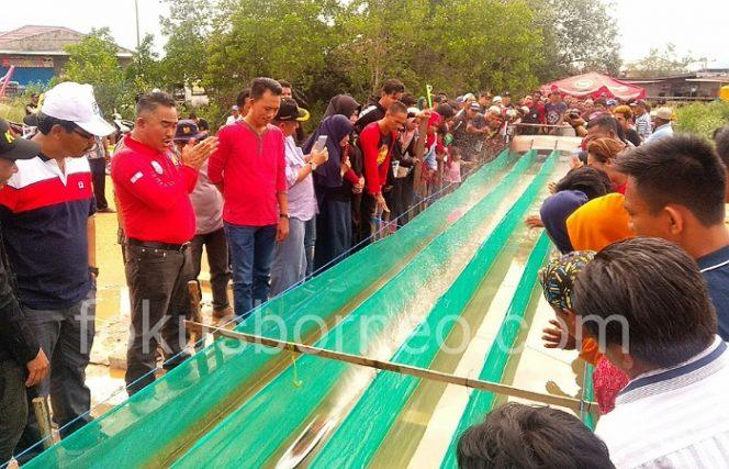 Walikota Tarakan Menutup Secara Resmi Lomba Ketinting Mini Walikota Race II, (5/1). Poto: ari / fokusborneo.com