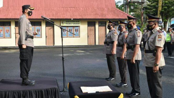 Kapolres Tarakan AKBP Fillol Praja pimpin serah terima jabatan Kasat Intelkam dan Kapolsek Tarakan Utara, bertempat di halaman Mako Polres Tarakan, Rabu (13/1/2020).Foto: Fokusborneo