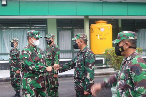 Kepala Staf Kodam VI/Mulawarman, Brigjen TNI, Ibnu Bintang Setiawan saat melaksanakan kunjungan kerja di Kodim 0907 Tarakan