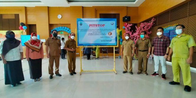 Plt Direktur RSUD Tarakan dr. Franky Sientoro Sp.A membuka kegiatan Pistop Akreditasi SNARS Edisi 1.1 di lantai enam Gedung RSUD Tarakan, Senin (20/9/2021). (foto: IST)