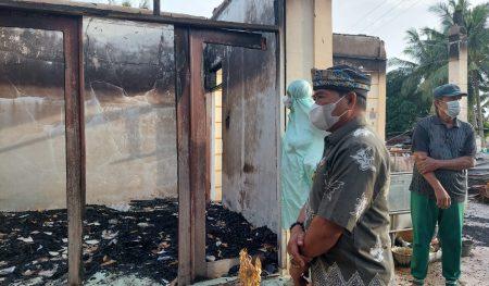 Gubernur Santuni Pemilik Taman Pendidikan Alquran (TPA) Pantai Amal yang Terbakar