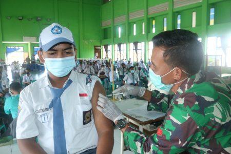 Program Vaksinasi untuk pelajar bertempat di SMK Negeri 2 Tarakan.Foto: Fokusborneo