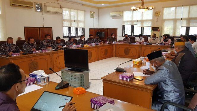 RDP Warga Pantai Amal bersama TNI AL, PLN dan Anggota DPRD Tarakan. Foto: fokusborneo.com