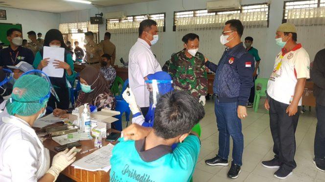 Anggota Komite 3 DPD RI Hasan Basri tinjau vaksinasi Covid-19 di SMK Negeri 2 Kota Tarakan. Foto :