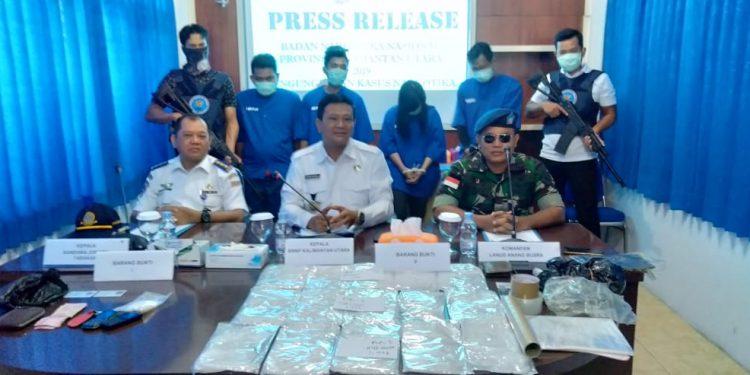 BNNP Kaltara Gelar Konferensi Pers Pengungkapan 2,6 Kg Sabu Berserta Tersangka (30/7).