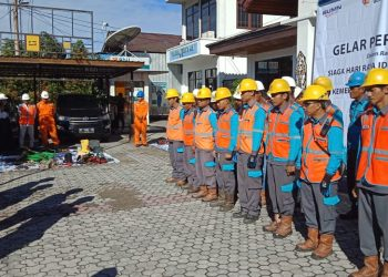 Pengecekan Peralatan dan Personil TIM Pelayanan Teknik PLN UP3 Tarakan. Foto : Istimewa