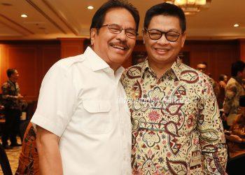 REFORMA AGRARIA : Gubernur Kaltara, Dr H Irianto Lambrie sebelum rapat dimulai menyempatkan diri bersilaturahmi dengan Menteri LHK, Siti Nurbaya dan Menteri ATR/BPN Sofyan Djalil, di Hotel Borobudur, Senin (5/8)