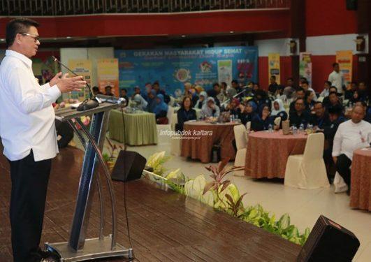 EVALUASI : Gubernur Kaltara Dr H Irianto Lambrie saat memberikan arahan pada pertemuan evaluasi program dalam upaya penyelesaian masalah kesehatan masyarakat tingkat Provinsi Kaltara, Rabu (7/8). Poto : Humas Pemprov Kaltara.