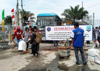 Mulai 13 Agustus 2019, Kendaraan R4 dan R2 Dilarang Masuk Dermaga Pelabuhan Tengkayu, Penumpang Akan dilayani dengan Bus. Poto : Ari/Fokusborneo.
