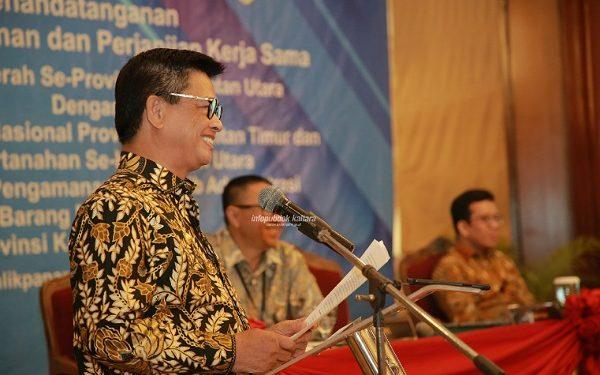 Gubernur Kaltara Dr H Irianto Lambrie saat menyampaikan tanggapannya terhadap Rancangan Teknokraktik RPJMN 2020-2024 di ballroom Novotel Balikpapan, Selasa (20/8). Poto : Humas Pemprov Kaltara