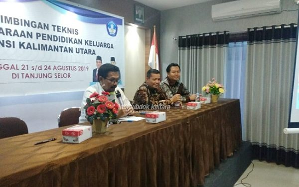 Humas Pemprov Kaltara BIMTEK : Sekretaris Disdikbud Kaltara Teguh HS saat menghadiri pembukaan Bimtek Penyelenggaraan Pendidikan Keluarga dan Penguatan Pelaku Pendidikan Keluarga, baru-baru ini.