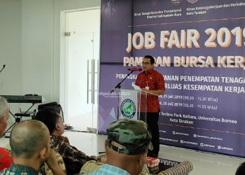 JOB FAIR : Sekprov Kaltara H Suriansyah saat membuka Job Fair 2019 di STP UBT, Juli lalu.Foto : Humas Pemprov Kaltara