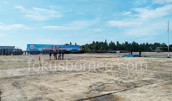 Apron Lanud Anang Busra Tarakan saat digunakan sebagai lokasi upacara HUT TNI Ke74. Poto: Ari/fokusborneo