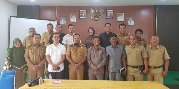 Poto Bersama Komisi 1 DPRD Tarakan, Camat dan Lurah se-Kecamatan Tarakan Timur (28/10(. Poto:Slamet/fokusborneo.com