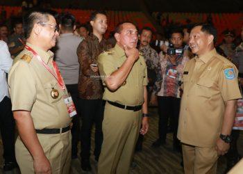 TINDAK LANJUT : Gubernur Kaltara, Dr H Irianto Lambrie saat berbincang dengan Mendagri Tito Karnavian, belum lama ini.Poto: Humas Provinsi Kaltara