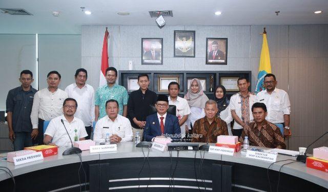 PEMUTUSAN KERJA SAMA : Gubernur Kaltara, Dr H Irianto Lambrie berfoto bersama peserta pertemuan dengan WWF Indonesia, Rabu (6/11).Poto:Humas Provinsi Kaltara