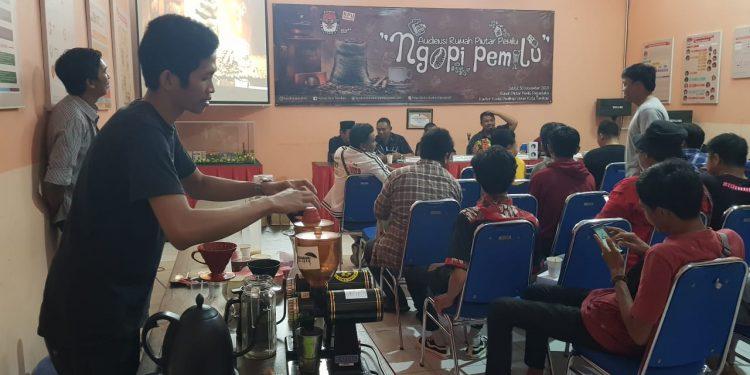 Ngopi Pemilu, KPU Tarakan Ajak Barista Sosialisasi Pilkada 2020 (30/11). Poto: Slamet / fokusborneo.com