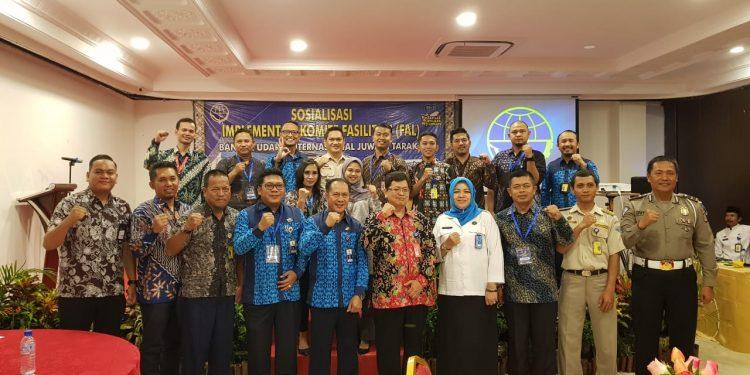 Poto Bersama seluruh peserta sosialisasi FAL Bandara Kelas 1 Utama Juwata Intenrasional Tarakan dengan Stakholder terkait (5/11). Poto: Slamet / fokusborneo.com