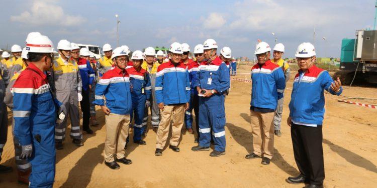 Menteri Energi dan Sumber Daya Mineral (ESDM), Arifin Tasrif melihat langsung pembangunan RDMP Balikpapan. Poto: Istimewa