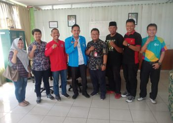 Pengurus DPD KNPI Tarakan Karateker Bersama Kadis Pemuda dan Olah Raga. Poto: Istimewa
