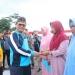 KARANG TARUNA : Gubernur Kaltara, Dr H Irianto Lambrie saat menghadiri BBKT di Nunukan dan Bulungan, Minggu (29/12). Poto: Humas Provinsi Kaltara