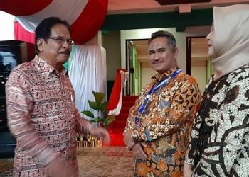 Menteri ATR BPN, Sofyan Djalin bersama Walikota Tarakan Khairul (tengah) bersama Isteri (18/12). Poto: Istimewa