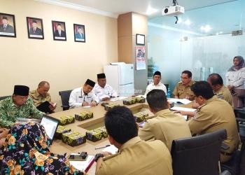 PERSIAPAN : Sekprov Kaltara, H Suriansyah saat memimpin rapat persiapan MTQ ke-5 tingkat Provinsi Kaltara, baru-baru ini. Poto:Humas Provinsi Kaltara