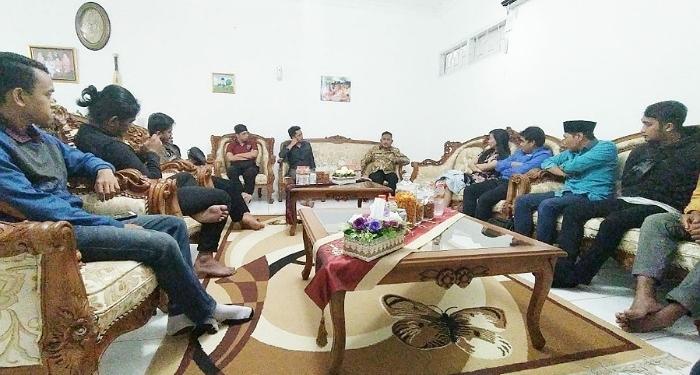 Pengurus Baru KNPI Tarakan Jalin Silaturahmi Dengan Walikota Tarakan Khairul (11/1). Poto: Ari / fokusborneo.com