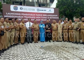 Walikota Tarakan Khairul Launching Parkir Berlangganan Menggunakan Pembayaran Non Tunai (13/1). Poto: Ari / fokusborneo.com