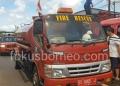 Mobil Supllay dan Mobil Fire Milik PMK Tarakan Saat Melkukan Pemadaman Kebakaran di Pasar Batu. Poto: slamet / fokusborneo.com