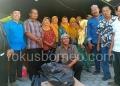 Pakuwaja Tarakan Serahkan Bantuan Untuk Korban Kebakaran Pasar Batu. (22/1). Poto: Ari / fokusborneo.com