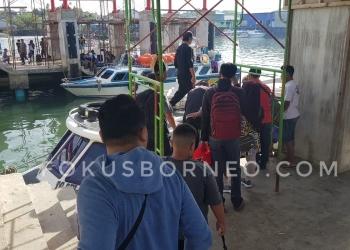 Sempat Mogok, Speedboat di Pelabuhan Tengkayu I SDF Kembali Beroperasi Melayani Penumpang, (6/1). Poto: Slamet / fokusborneo.com