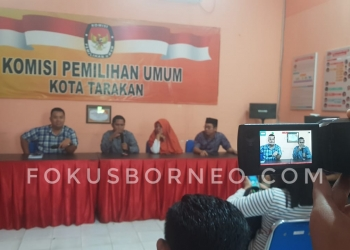 Komisioner KPU Tarakan Gelar Konferensi Pers. Foto : fokusborneo.com