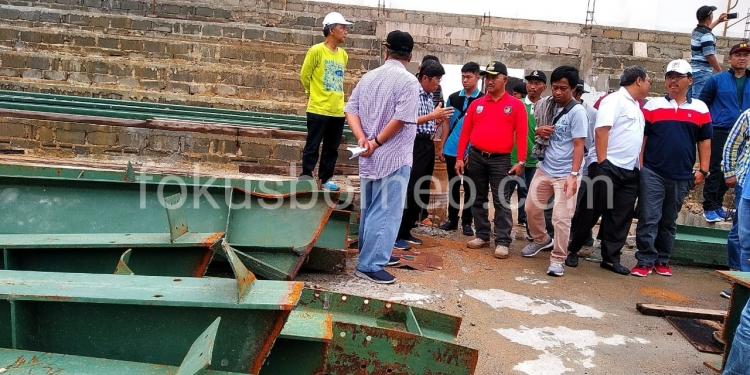 Walikota Tarakan Khairul Tinjau GOR, (5/1). Poto: Ari / fokusborneo.com