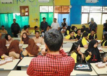 EDISI 2 : Program HGS, yang rutin digelar, kali ini HGS melaksanakan kegiatannya di SMK Negeri 2 Tanjung Selor, Jumat (21/2).Poto : Humas Pemprov Kaltara