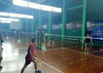 Peserta Danlantamal XIII Cup Badminton Championship 2020 Lakukan Uji Coba Lapangan, di Gor Naga Mas. Poto: Istimewa