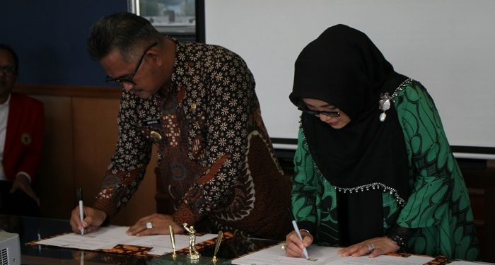Walikota Tarakan dan Rektor Unhas tandatangi, Poto: humas dan protokol Pemiot Tarakan