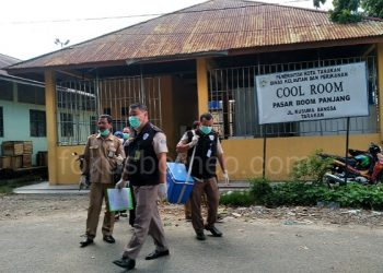 Petugas BKIPM Kelas II Tarakan Sidak Cool Room Milik Pemkot Tarakan. Poto: fokusborneo.com