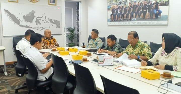 Walikota Tarakan Khairul, Kadis Perdagangan Sampaikan Pembangunan Pasar Batu ke Kementerian Dalam Negeri. Poto: Humas & Protokol Pemkot