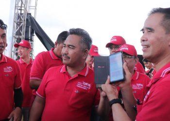 Kepala KPw BI Kaltara Yufrizal dan Walikota Tarakan Khairul meluncurkan QRIS. Foto : Istimewa