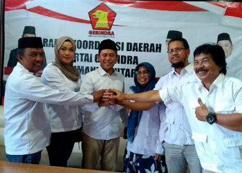 Ketua DPD Gerindra Kaltara, Ibnu Saud (tengah), poto: fokusborneo.com