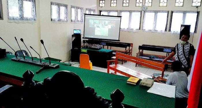 Persiapan Sidang Online Kejaksaan Negeri Tarakan di ruang sidang Pengadilan Negeri. Poto: fokusborneo.com