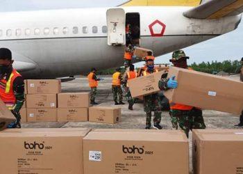 Bantuan 3.000 APD dari Pemerintah Pusat tiba di Lanud Anang Busra Tarakan , Minggu (19/4/).  Foto : Istimewa