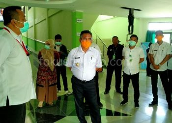 Walikota Tarakan Khairul, Tinjau RSU Kota Tarakan. Poto: Ariyanto