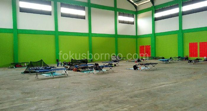 Gor Sport Center Kp. 4 Tempat Karantina Jamaah dari Gowa. Poto: fokusborneo.com