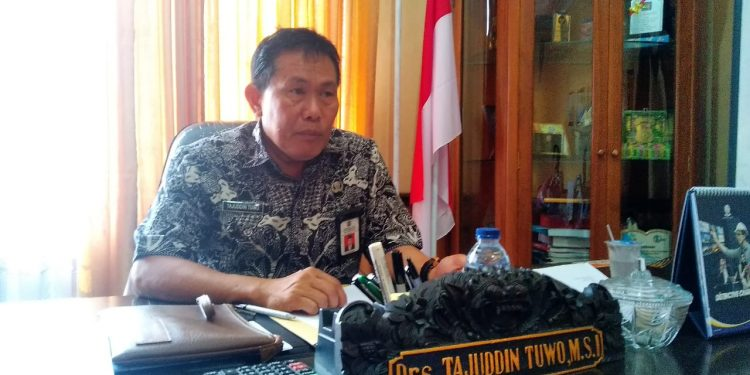 Tajuddin Tuwo, Kadisdik Tarakan.