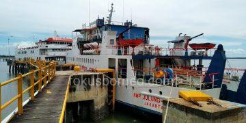 KMP Julung-Julung di Pelabuhan Ferry Tarakan. Poto: fokusborneo.com