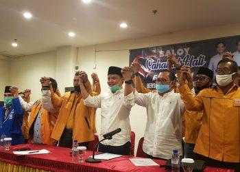 Bakal paslon Bupati dan wakil Bupati KTT Ibrhaim Ali-Hendrik bersama kader PAN dan Hanura menyatakan kesiapannya maju di Pilkada KTT, Rabu (24/6). Foto : Fokusborneo.com