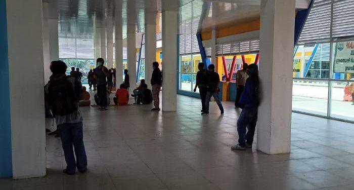 Terminal Keberangkatan Pelabuhan SDF.