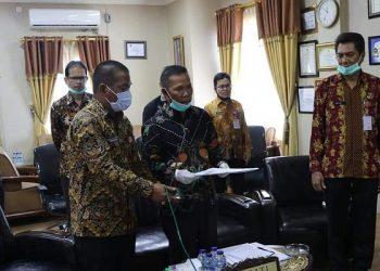 Secara Virtual Bupati KTT Undunsyah Menerima LHP LKPD TA 2019 dari BPK RI Perwakilan Kaltara. Foto: Diskominfo KTT